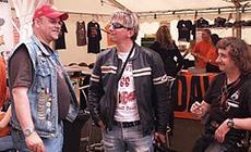 Uwe Groke (Mitte) mit Frank und Jerry vom HOG Chapter Wiesbaden-Nassau
